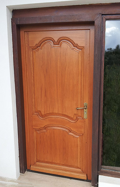 Menuisier porte en bois massif pr s de quingey et saint for Menuiserie porte fenetre bois
